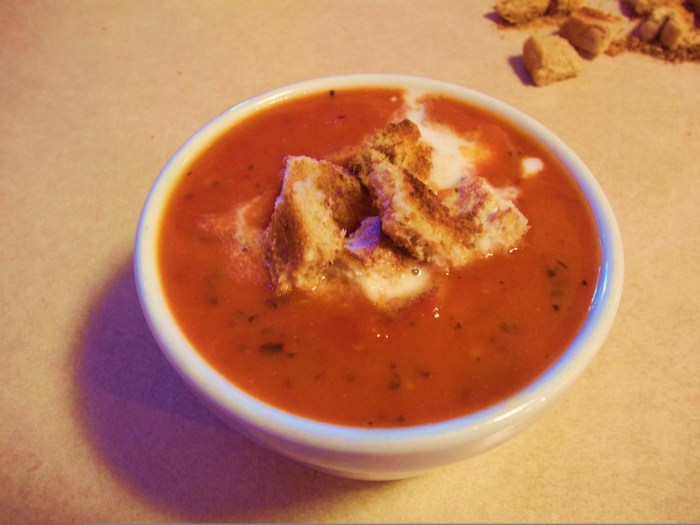 SPICY TOMATO GINGER SOUP