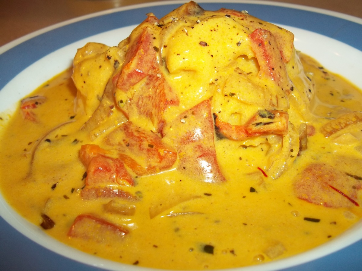 SAFFRON ROASTED PEPPER CREAM SAUCE