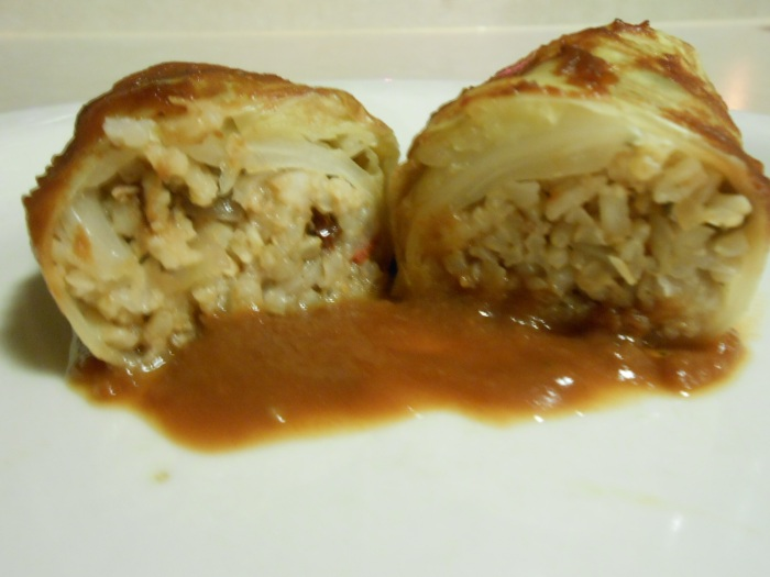 MEATLESS GOLUMPKI (stuffed cabbage)