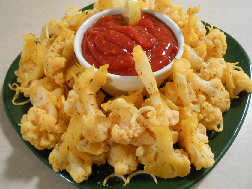CAULIFLOWER SHRIMP COCKTAIL PLATTER