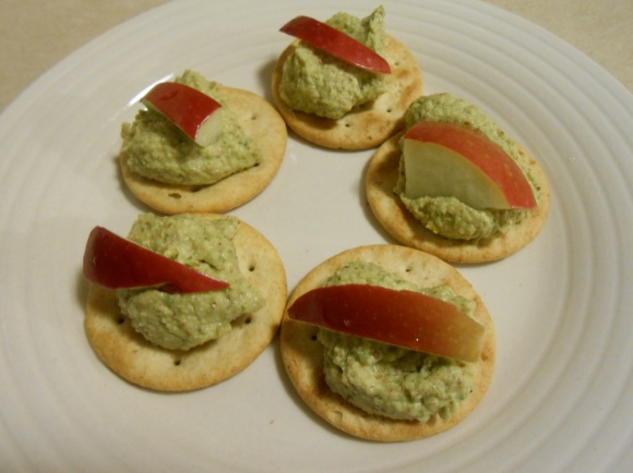 PINE NUT CILANGRO PESTO ON CRACKERS 2