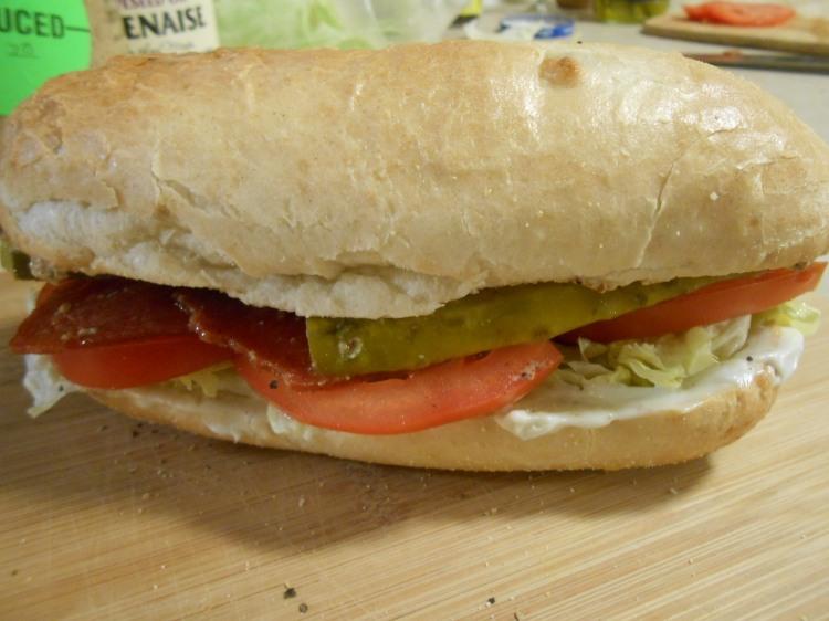 SMART BACON BLT SUB CLOSED SANDWICH