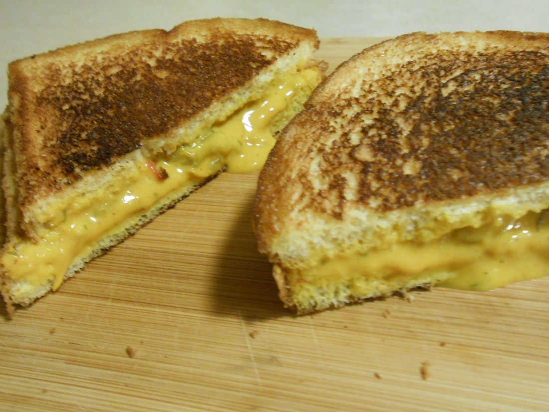 GRILLED CHEESE WITH PREMELTED CHEESE