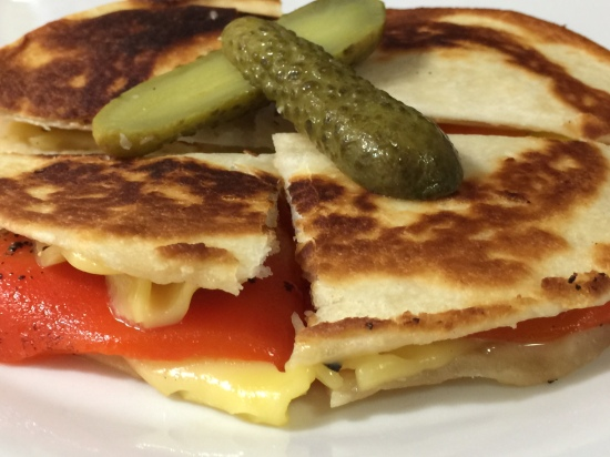 TORTILLA GRILLED CHEESE AND PEPPERS 4