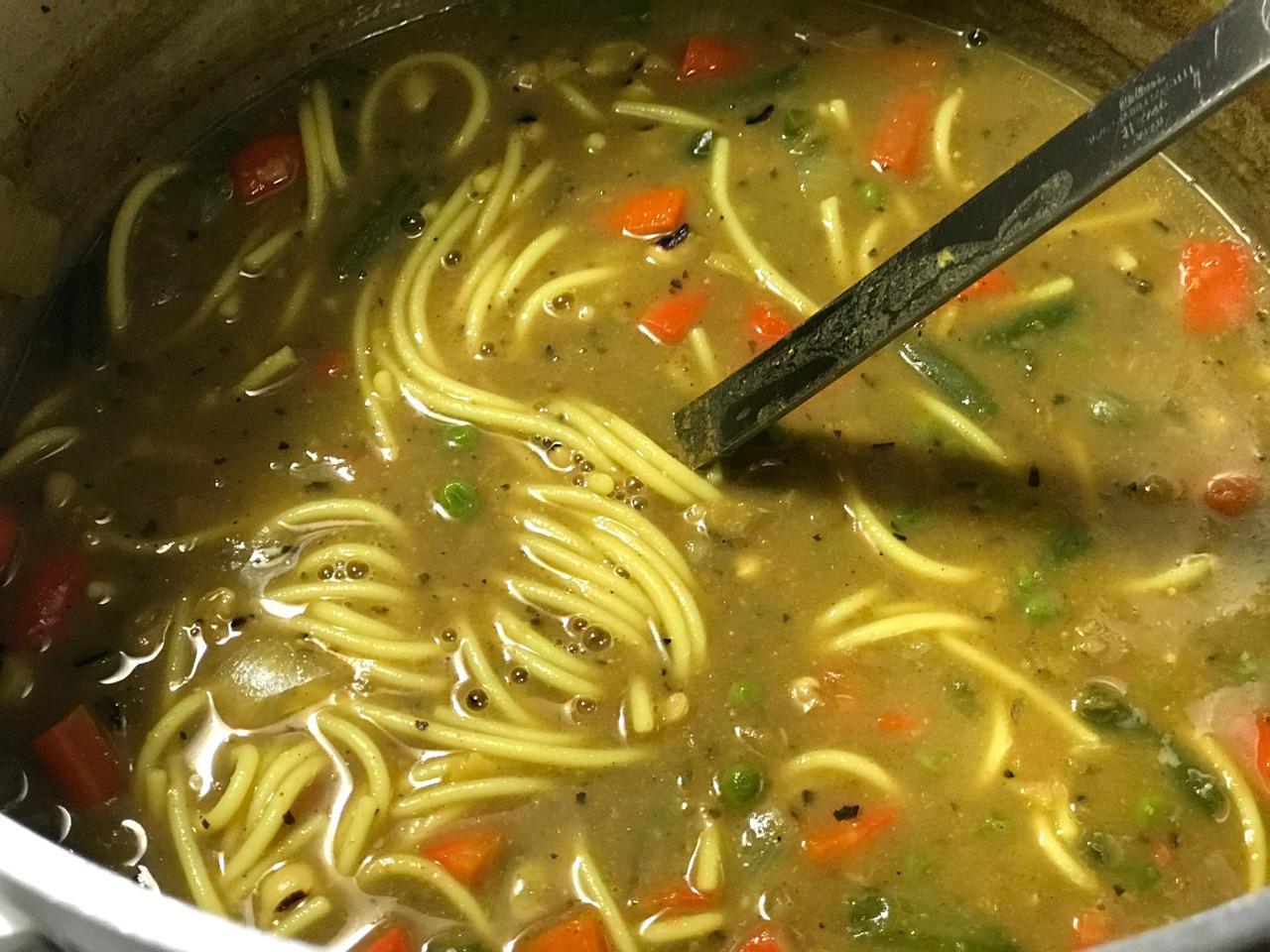 gluten-free-noodle-soup-pot