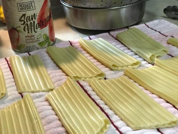 manicotti-pasta-tubes