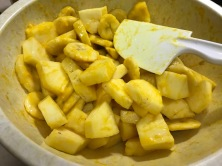 BANANAS AND PINEAPPLE IN TURMERIC