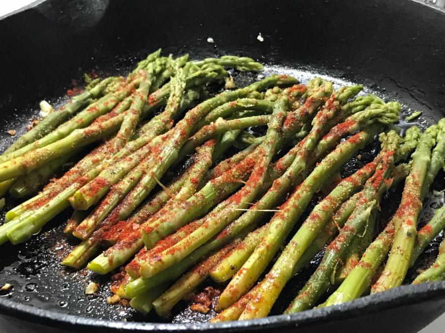 burnt garlic asparagus 1