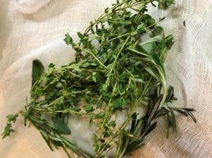 bouquet garni (a bunch of herbs tied to flavor a plate of vegetables) 2